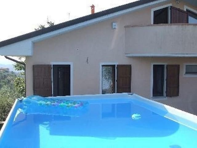 Beautiful villa located in a quiet panoramic position, garden with swimming pool