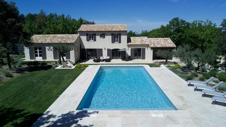 Bastide avec piscine à 2 pas de Saint-Rémy-de-Prov