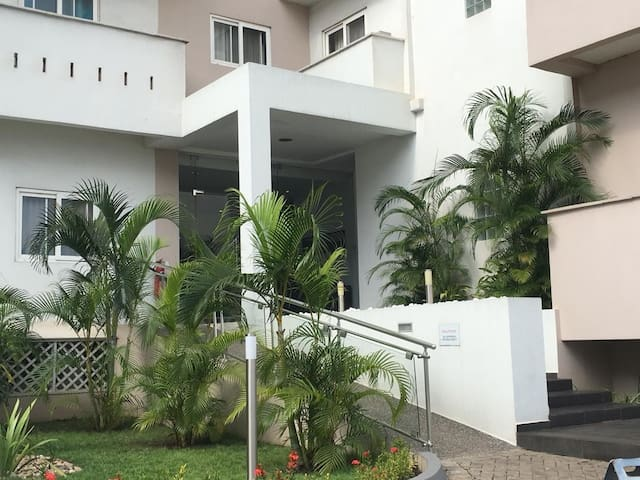 3 Bed Top Floor Apartment, Airport, Central Accra