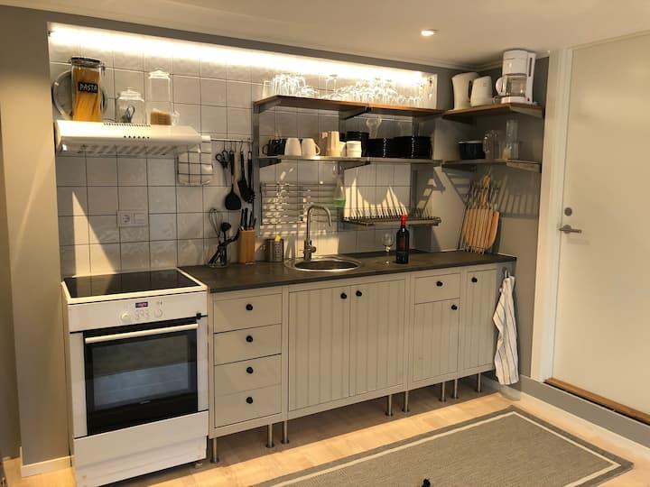 Nybyggd fräsch lägenhet 15min från Halmstad