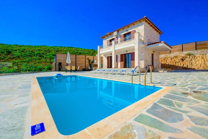 Villa Deluxe II with private swimming pool
