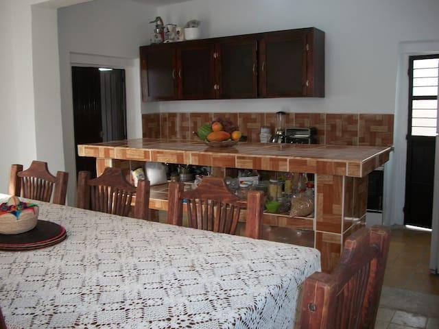 Disponemos de una amplia y cómoda cocina