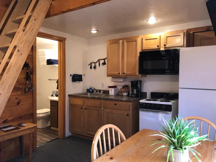 Duplex Cabin, 2 Bedroom with loft, sleeps 8