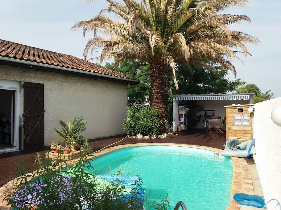 Studio ind pendant avec piscine houses for rent in - Piscine villenave d ornon ...
