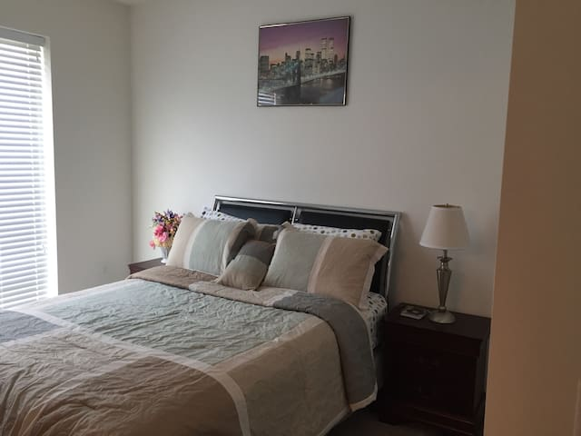 Diamond Suite 2min to Largo Metro, 10mins to WS DC