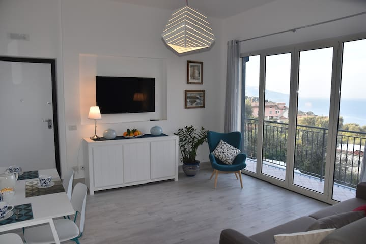 "Holiday Home ""Anda e Rianda"": Il Golfo, seaview - Massa Lubrense - Apartment"