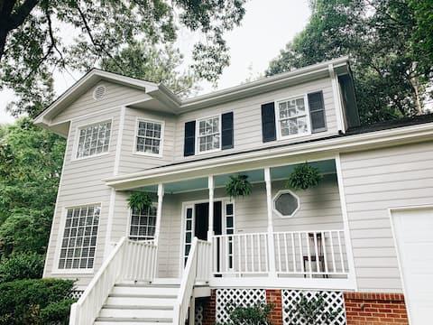 Lovely, charming WHOLE HOUSE north of Atlanta