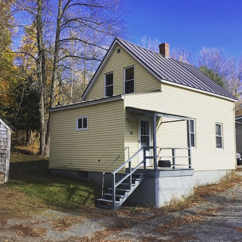 Quiet, Dog-Friendly Cottage on Outskirt of Town. - Lewiston - Huis