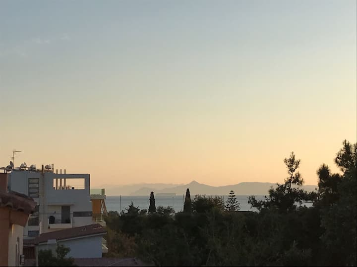 House with view by the sea on the Athens Riviera