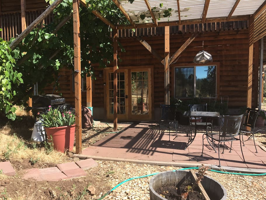 Front entrance to our Painted Hills AirBnB apartment. A portion of the garden area is also shown.