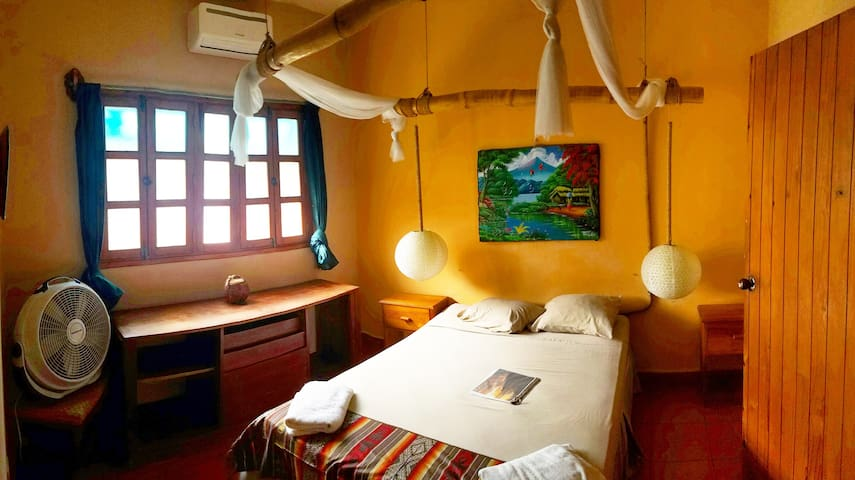 Secret Cove Inn #2 - San Juan del Sur - Bed & Breakfast