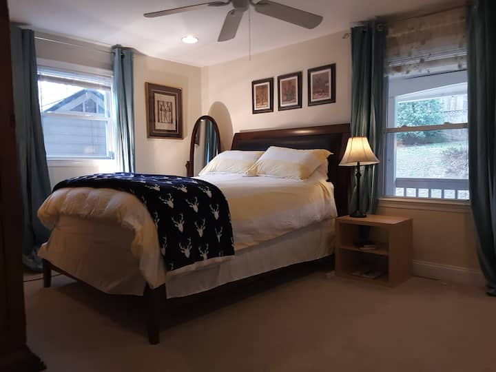 """Quantico Guesthouse.  """"Chesty"""" Puller Suite."""