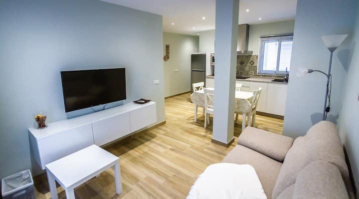 Fab Apartment in Fuengirola's heart. Casa Abuelo.