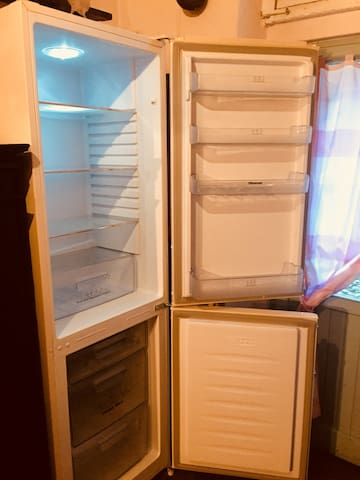 fridge and freezer cucina