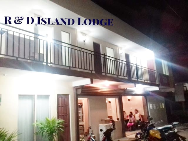 R & D Island Lodge #6 - WIFI * AIRCON  * SHOWER