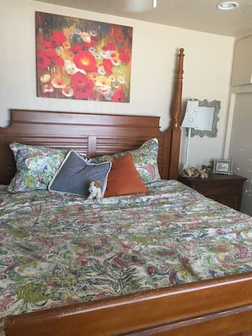 Room For Rent  In Fresno Ca.