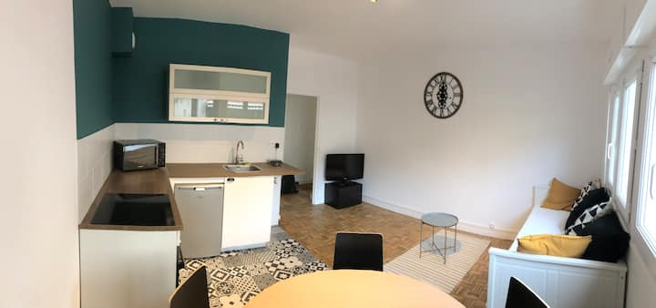 Appartement F2 centre ville - Parking inclus.