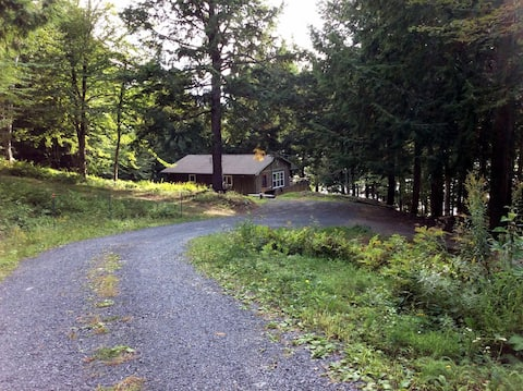 Camp Barra, 3 Bedroom Cottage outside Fredericton