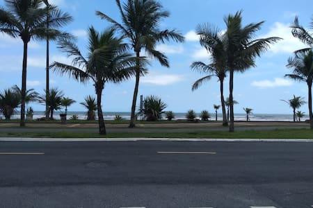 Apartamento no Balneário Flórida, ao lado da praia