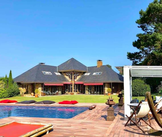 Villa Privada de Lujo, CasaLiso. Playa y Descanso.