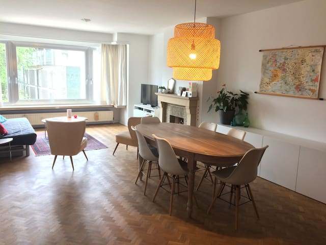 Spacious apartment near station Gent St-Pieters