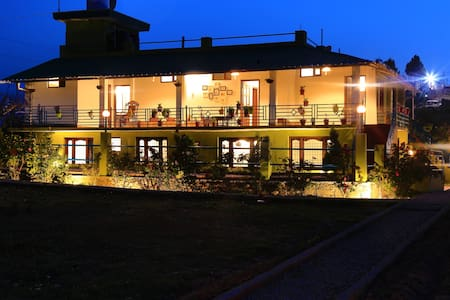 Mukteshwar Orchard Stay (4 rooms & 5 beds)