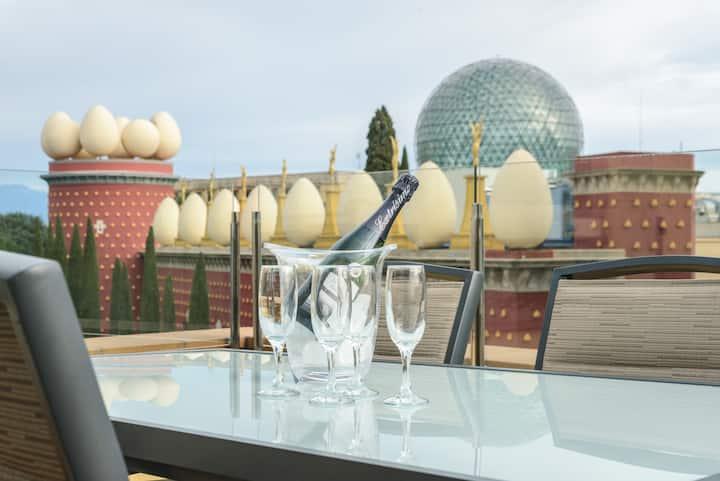 ÁTICO enfrente del Museo Dalí