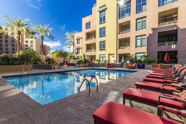 Cozy Condo with King Bed in Old Town Scottsdale
