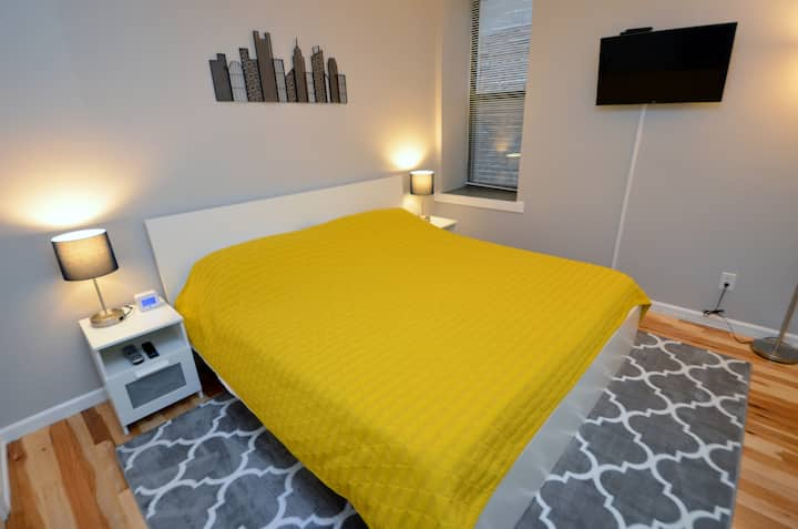 Downtown Gate District Apartment (2FR) King Beds