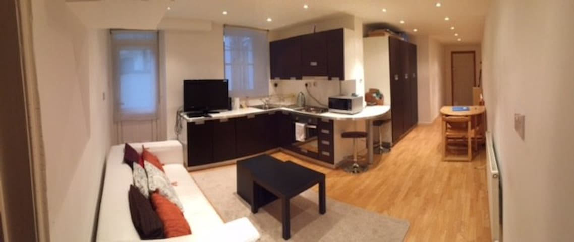 Lovely 1-bed in Earls Court
