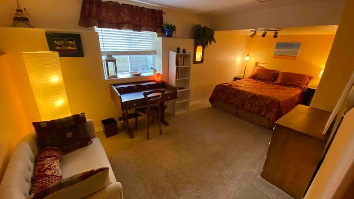 Large and comfortable bedroom in South East FoCo