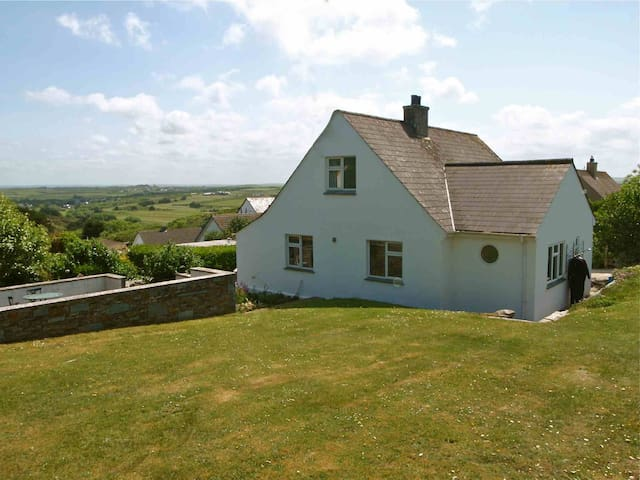 Trehanoo House - a comfortable airy house for 8 - Polzeath - Ház