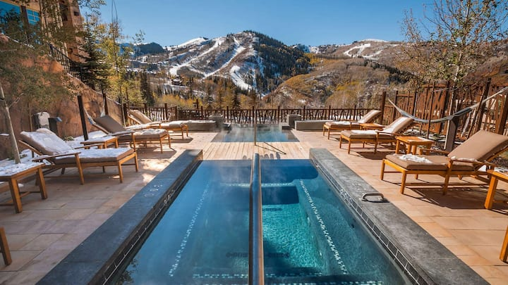 *NEW* Lavish 2BR Ski-in/Out Deer Valley, Pool, Gym