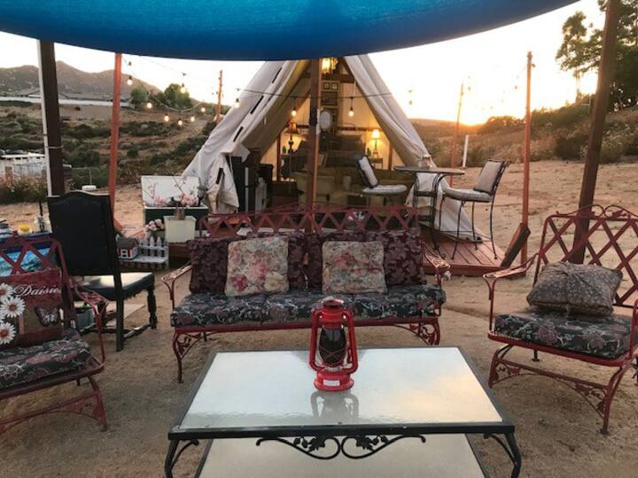 Ranch GLAMPING -Trails, Views & Animal interaction