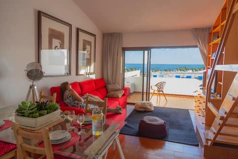 Apartment on the seafront in Radazul´s Marina.