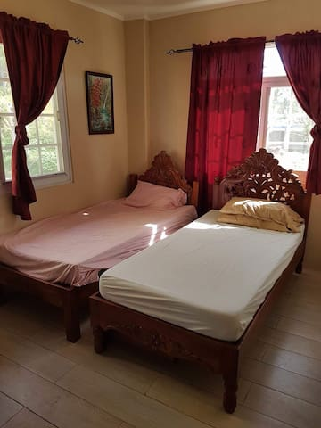 One room 2 single bed