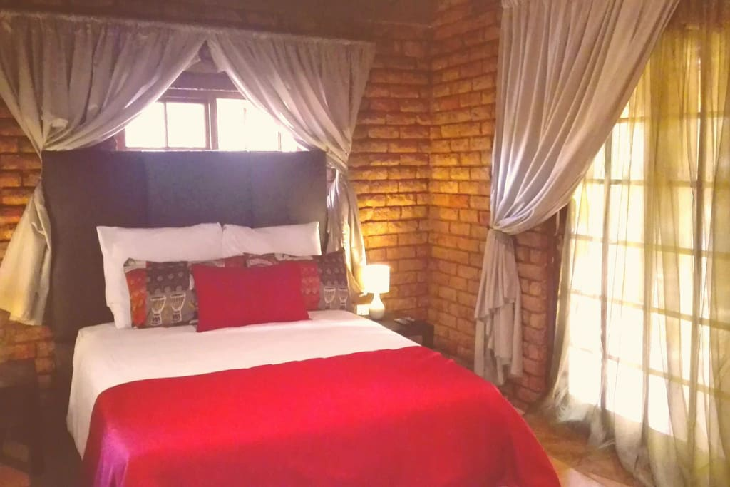 Chalet Nursery And Garden Center: Charming Chalet Near O. R Tambo Airport