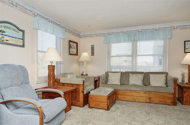 Windjammer Unit N -- Oceanfront 2 BR Condo with Community Pool & Hot Tub Access