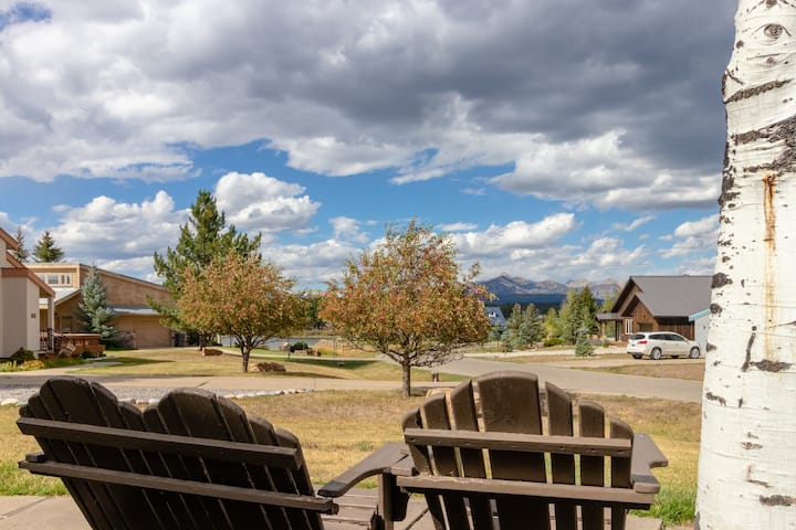 Family-friendly retreat-near golf, fishing, hiking & wintertime fun