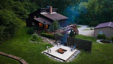 Pine Lake Lodge: Sleeps 8 on tranquil acreage
