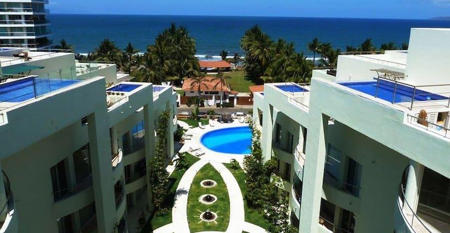 Total condo, steps from the beach - Nuevo vallarta - Apto. en complejo residencial
