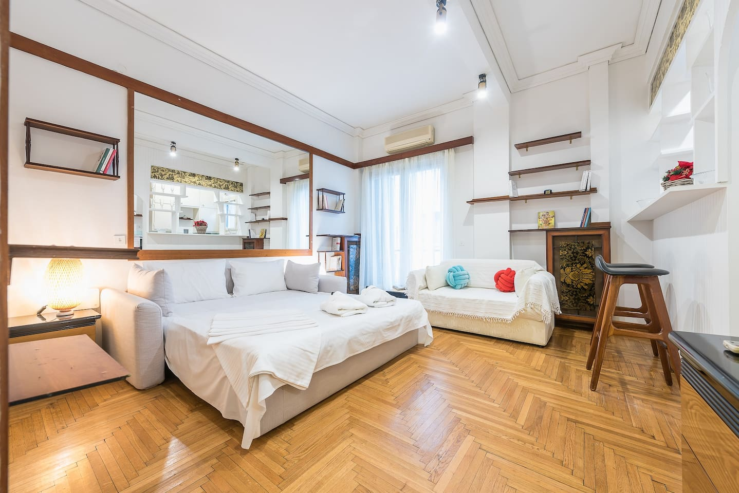 36m Homm Vintage Studio Next To Hilton Apartments For Rent In Athina