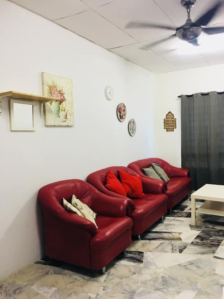 Cozy &Scenary View Apartment Near UiTM Puncak Alam