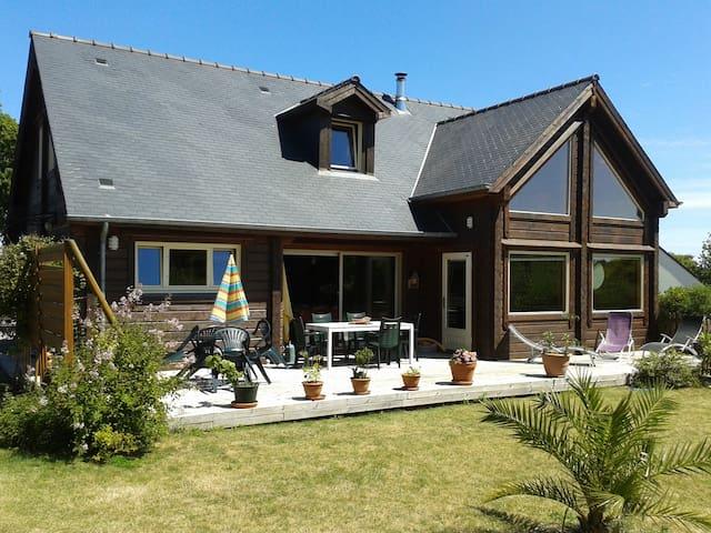 Maison chaleureuse en bois massif - Fréhel - Dům