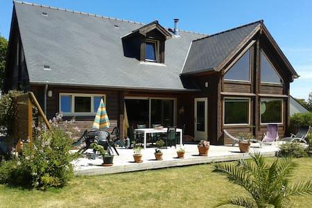 Maison chaleureuse en bois massif - Fréhel - Casa