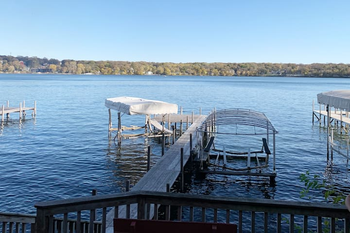 East Lake Escape - Okoboji Property w/Dock & Lift