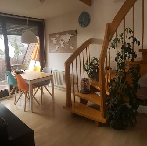 Comfortable Maisonette Apartment close to Airport