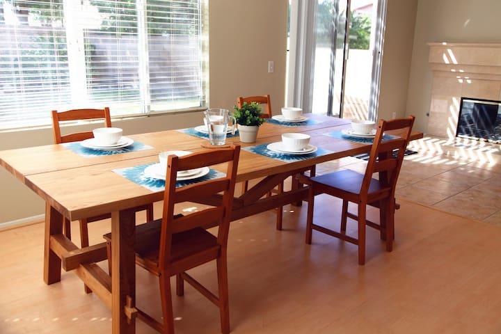 Your Home Away From Home舒适整洁又迷人的两间雅房,有停车位和花园的独栋别墅 - 奇诺岗 - Villa