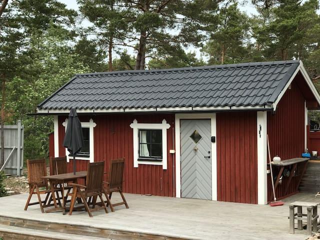 Stuga nära havet, 20 km från Visby.