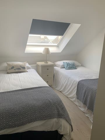 Single room with 2 Single beds